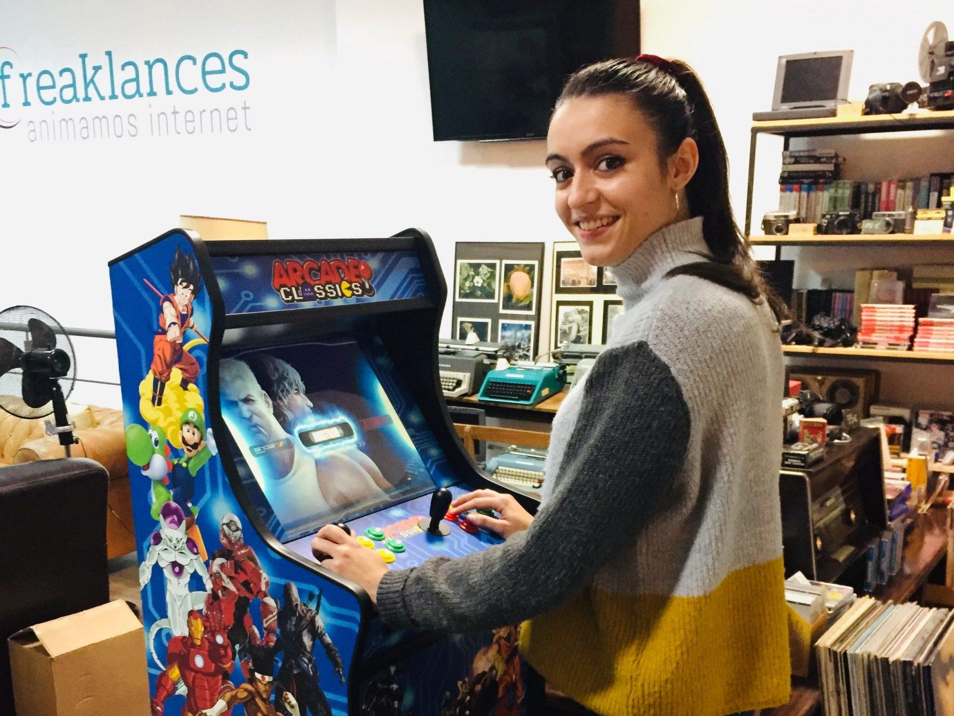 Máquinas Arcade con miles de juegos