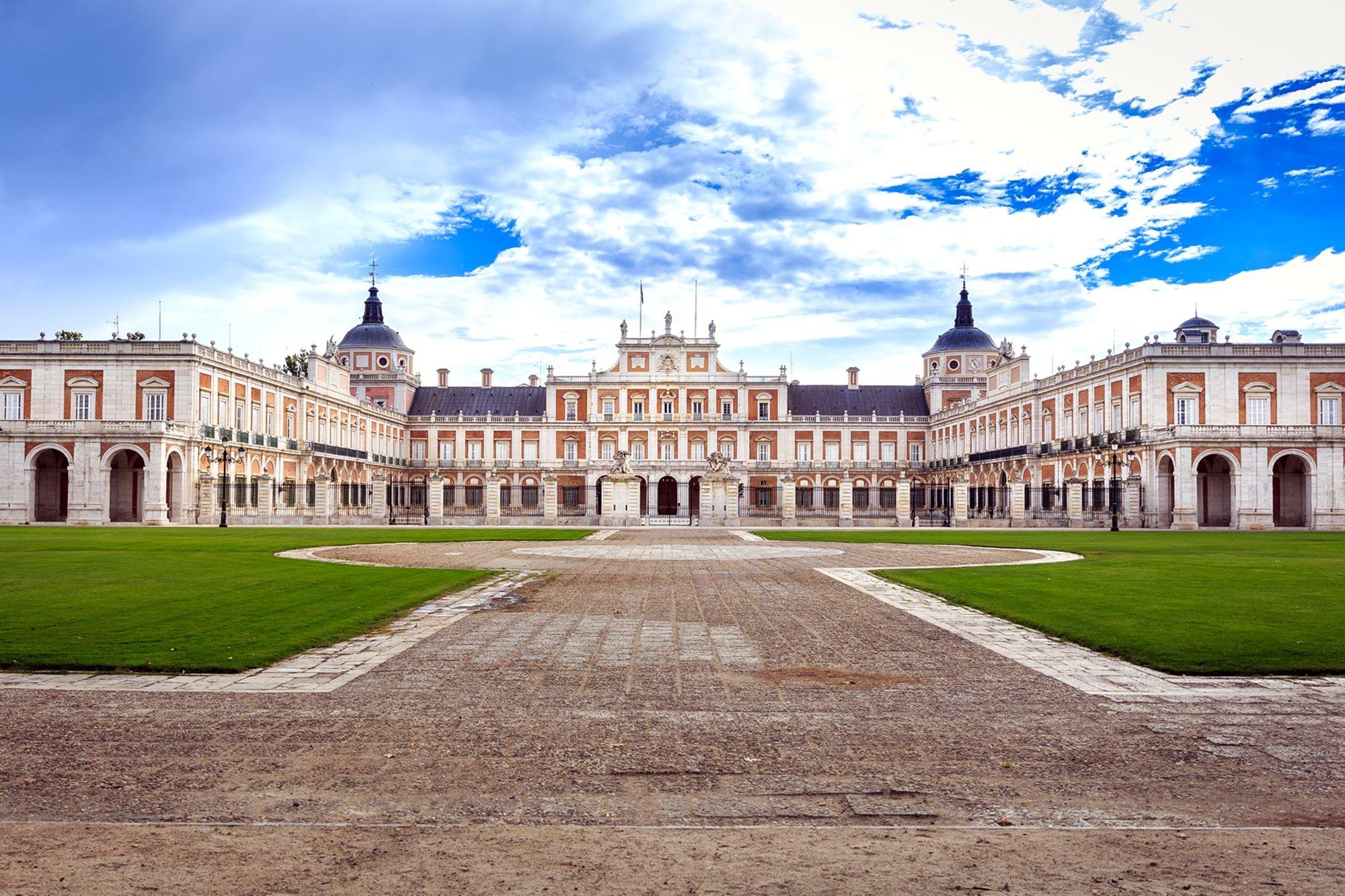 Plaza frente al Palacio Real