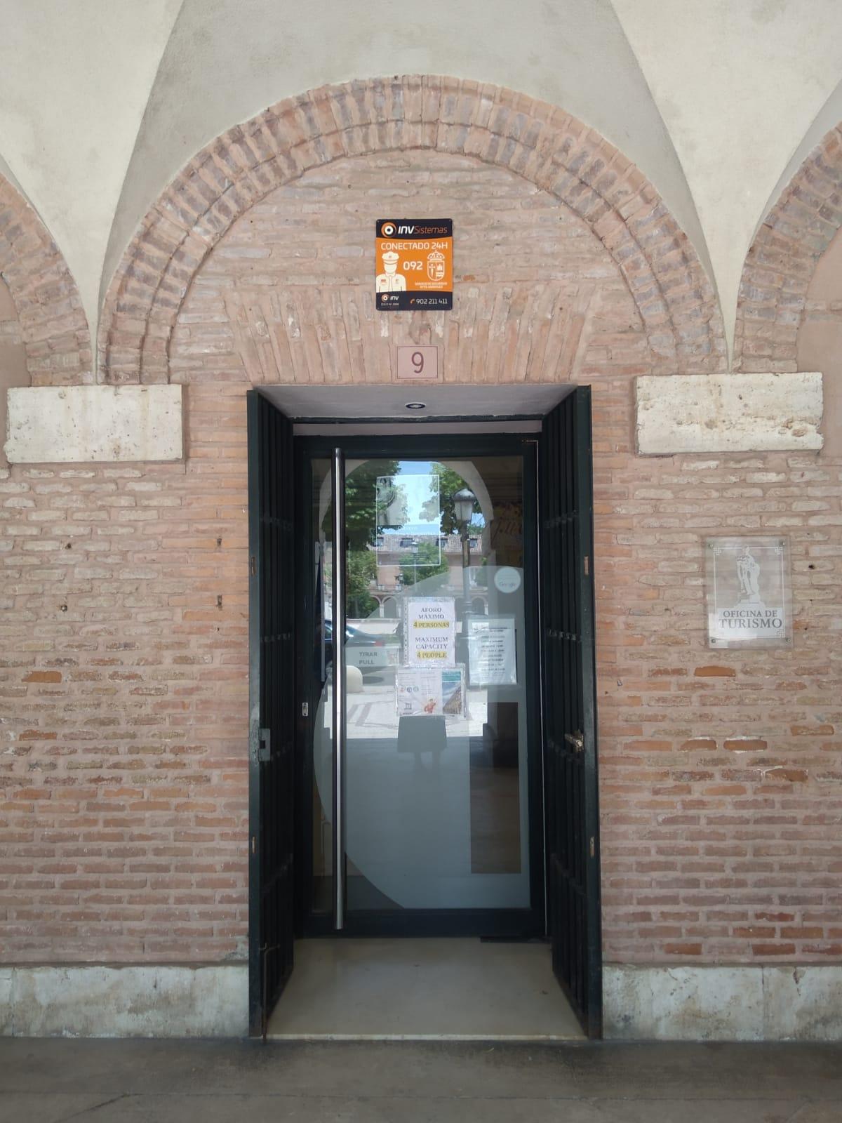 Entrada a la Oficina de Turismo